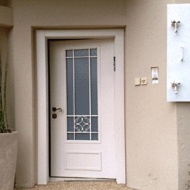 החלפת דלתות פלדלת ולבני זכוכית