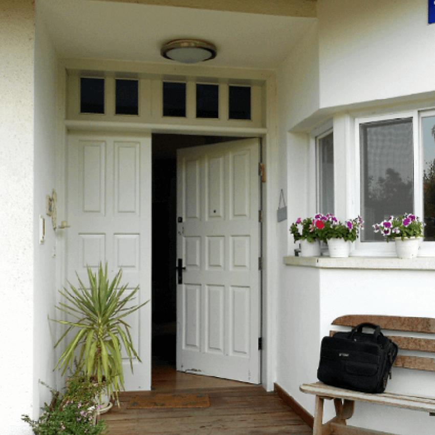 החלפת דלתות עץ- גל וייזל