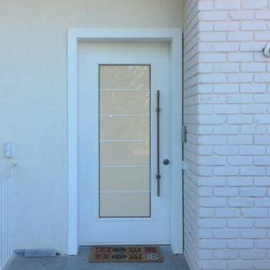 KM דלתות כניסה