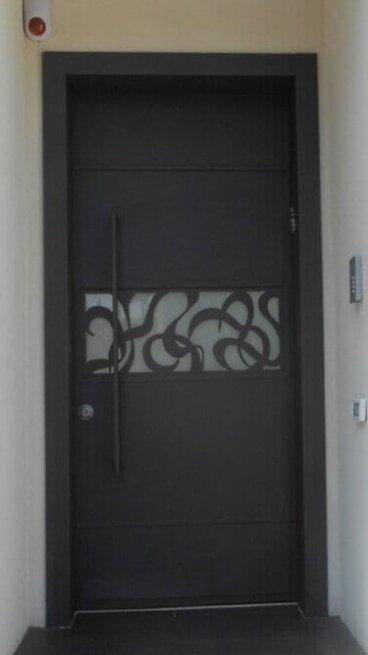 דלתות מעוצבות עם וריאציה(1)