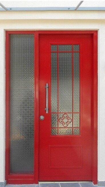 דלתות מעוצבות עם קבוע צד(1)